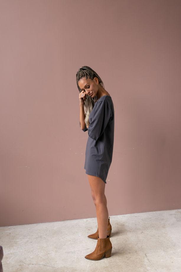 Платье-футболка цвета графит из хлопка