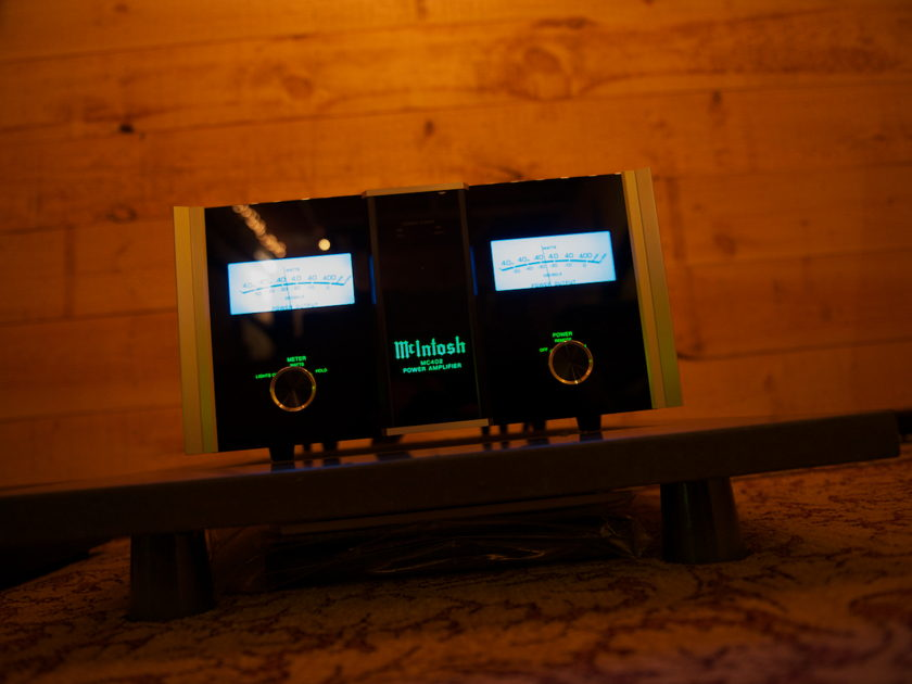 McIntosh MC402 Spotless !  Shipping Included !