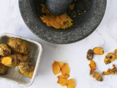 Depending on the recipe, turmeric may be blended, chopped or sliced to be added to dishes. When substituting with turmeric powder, use 1/3 of the recommended amount of fresh turmeric.