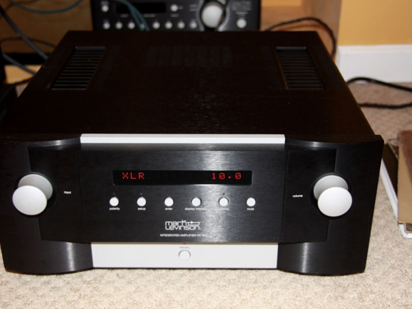 Mark Levinson No 585 Integrated MINT Like NEW
