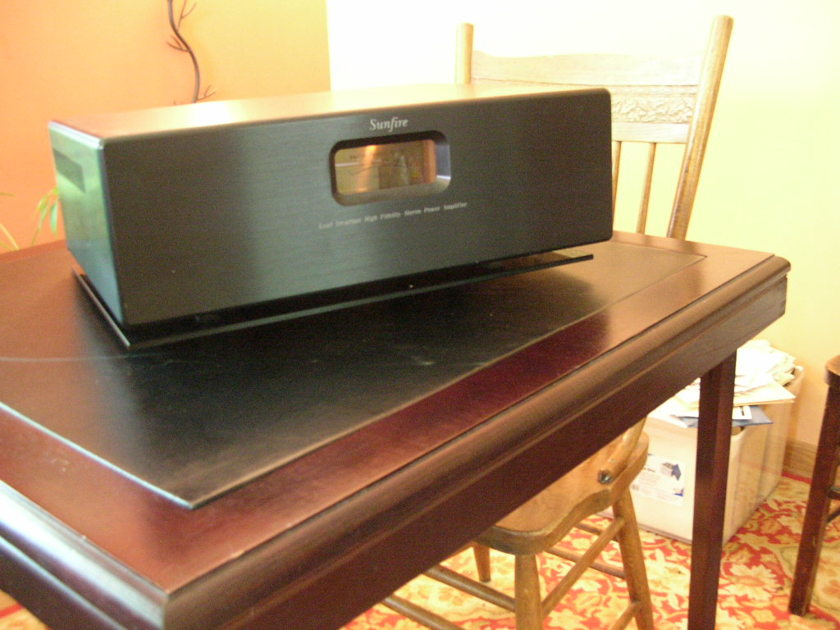 Sunfire Sunfire Power Amplifier Load Invariant Stereo Power Amplifier