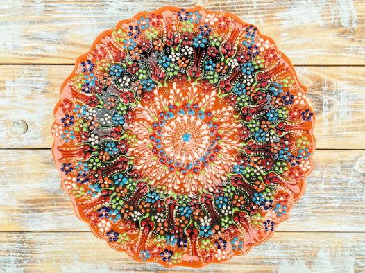 Оранжевое керамическое блюдо
