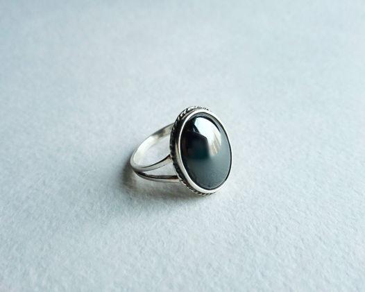 Кольцо с гематитом, размер 17,5