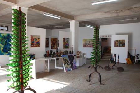 Banana Hills Tour - Art Gallery Visit