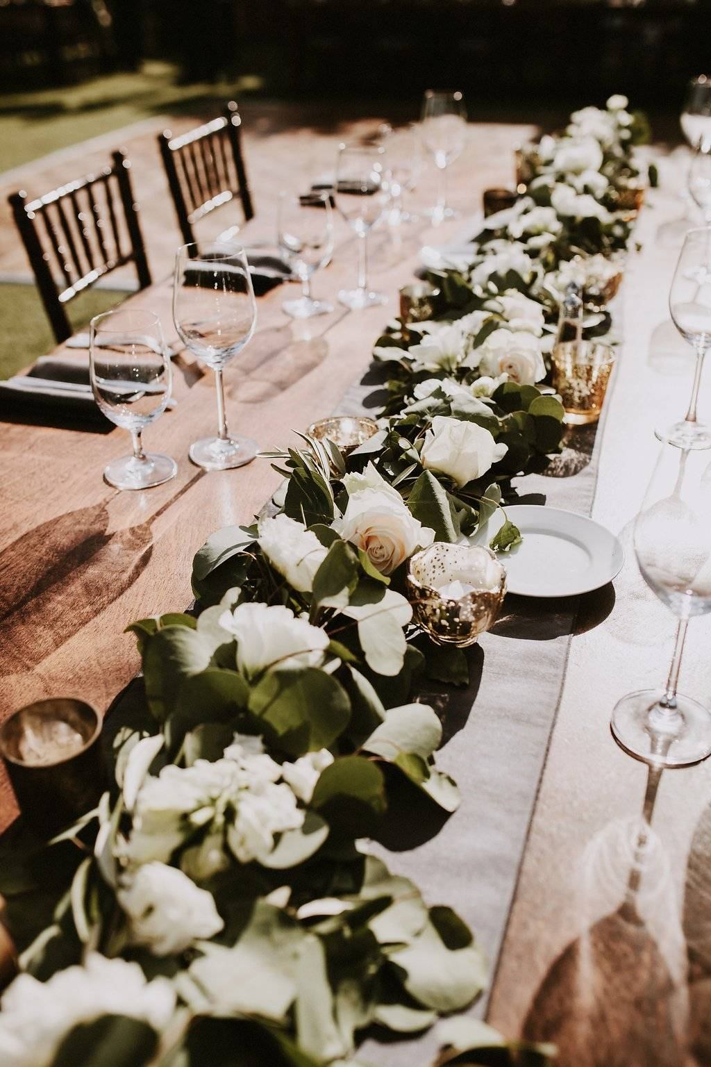 lush wedding, organic wedding, white and green wedding, Los Angeles florist, minimalist luxury wedding, Vave events, wedding decor, wedding flowers