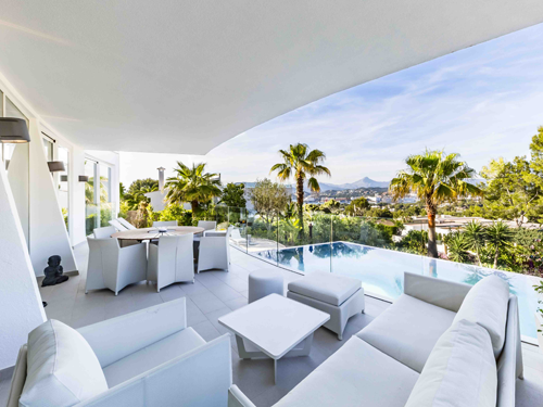 International brokerage markets the designer's villa in Santa Ponsa
