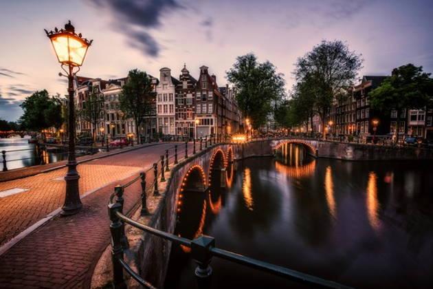 Вечерний круиз по каналам Амстердама
