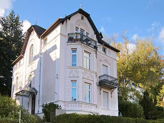Hamburg - Buy a spacious villa with Engel & Völkers Germany