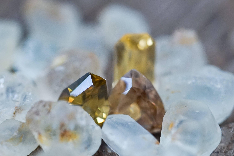 Zircon gemstones