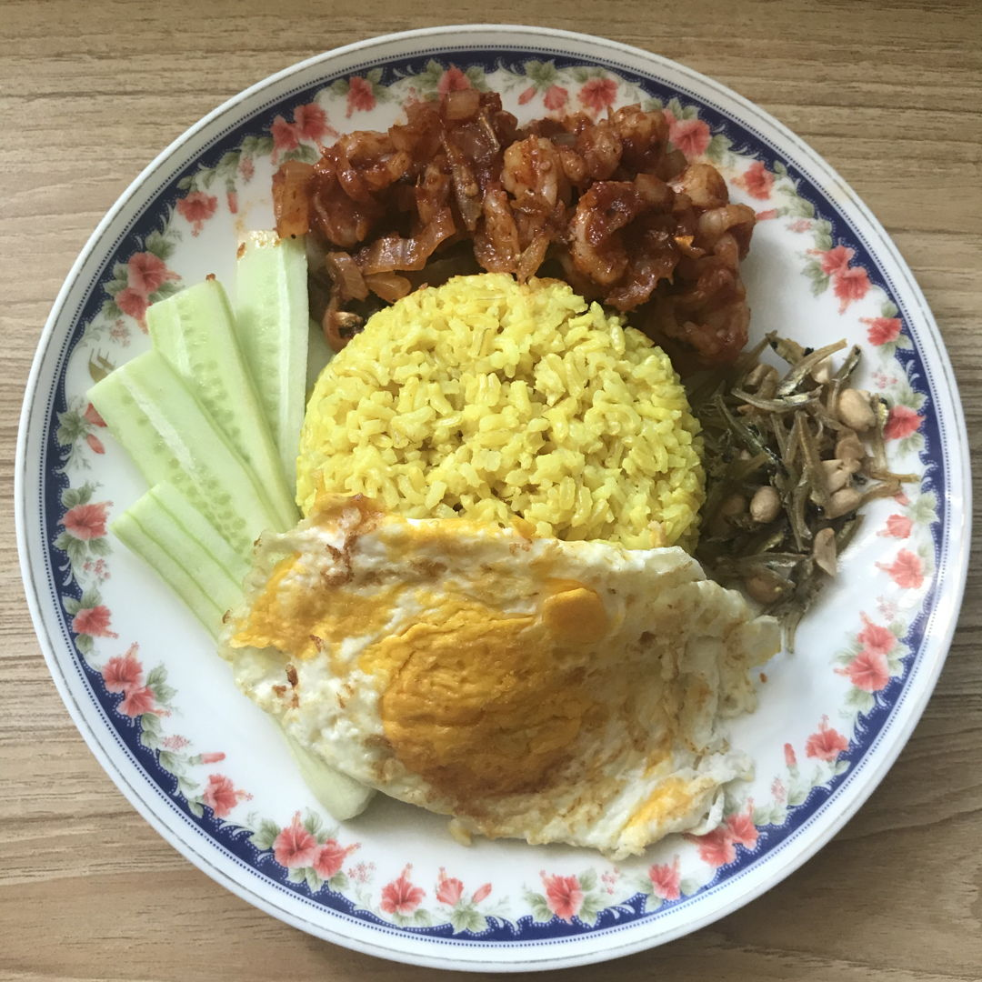Nasi lemak special for lunch today by my precious mum 🤗❤️