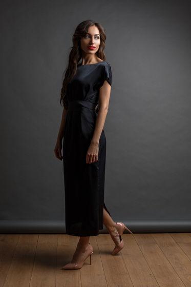 Черное женственное платье