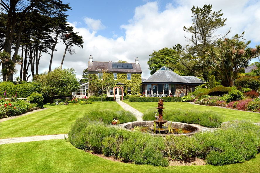 Kinsale - Weekly Holiday Let - Lisheen House - Splendid Period Holiday House with Stunning Seaviews