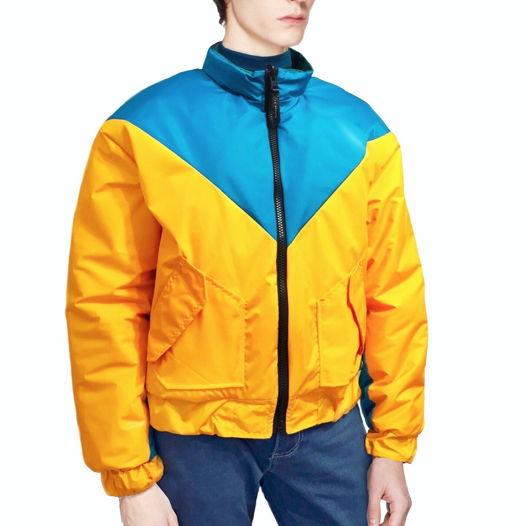 Двухстонняя куртка в стиле колор блок.