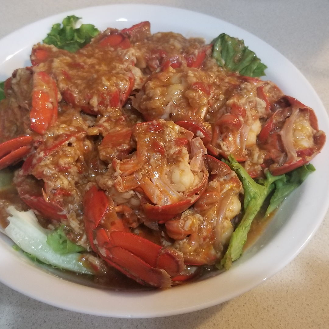 I was craving for chili crab. This year due to the pandemic we couldn't go home to the Malaysia for the summer holidays. I went to Costco and saw some lobster tails and I thought, chili lobsters, why not? This was super easy to make and absolutely scrumptious! Hubby really really enjoyed it. Will definitely make it again with crabs. Thank you Grace!