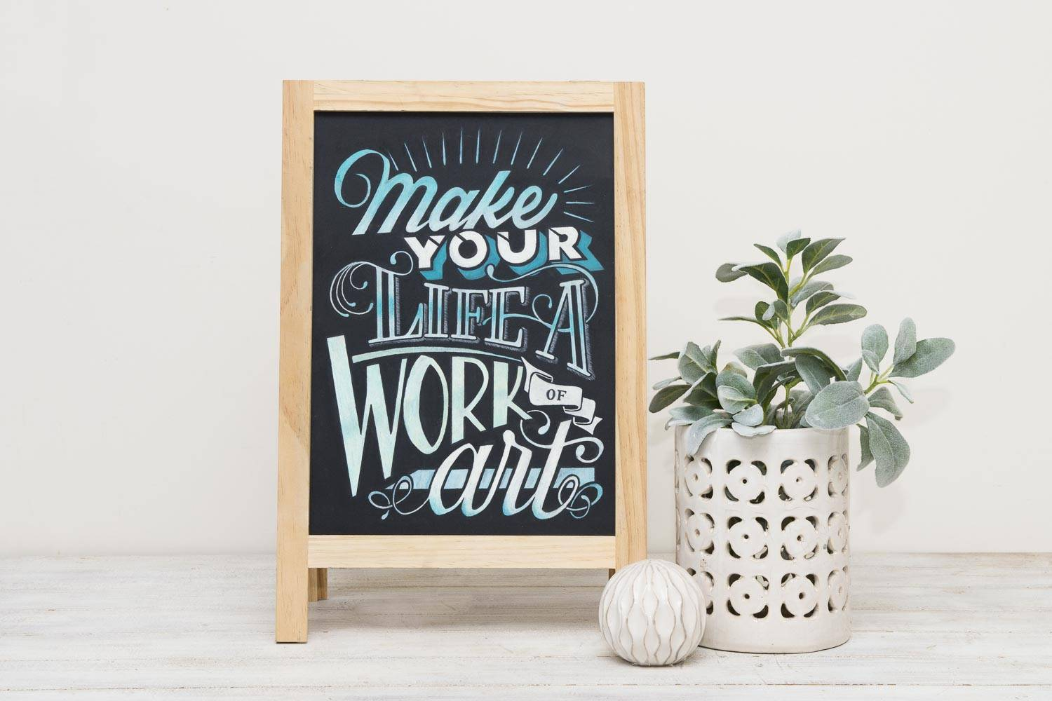 Tania Hearn lettering designer Gold Coast — chalk art for weddings and restaurants