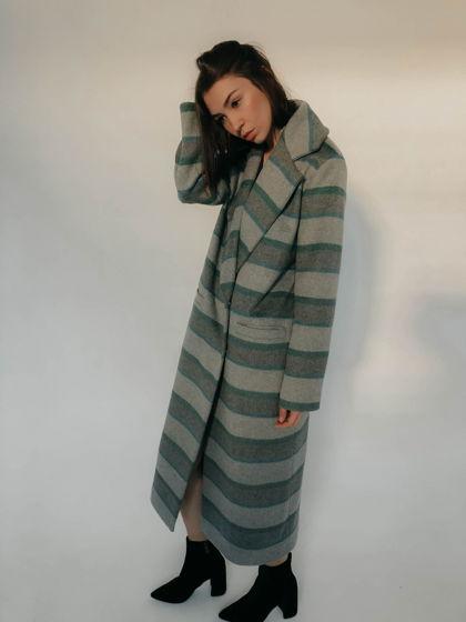 Пальто в полоску в мужском стиле green