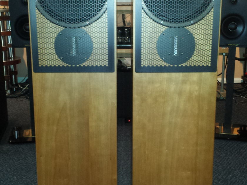 Zu Audio Essence 1 pair Full Range Floorstanding Loud Speakers
