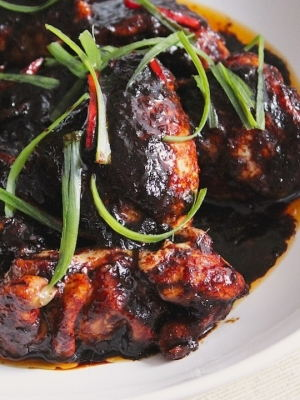 Spiced Chicken in Honey and Dark Soy Sauce