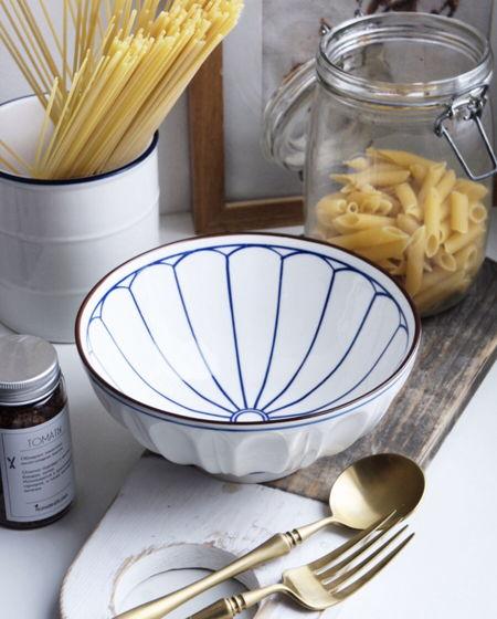 Глубокая тарелка с синим рисунком