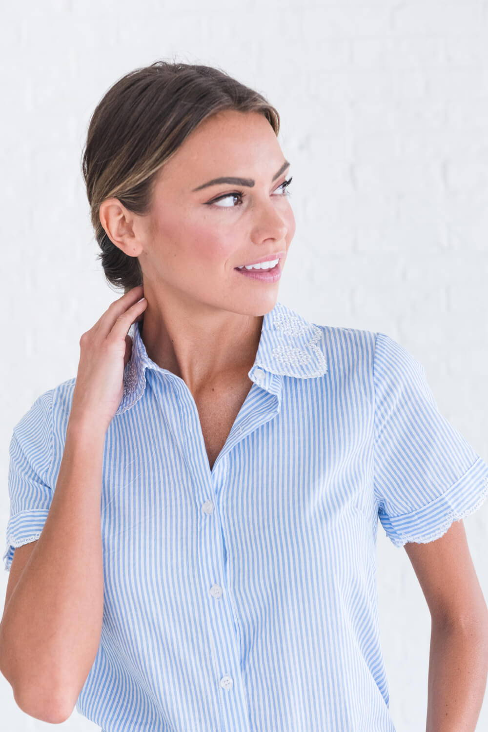 Summer Reading List 2018 striped button up top