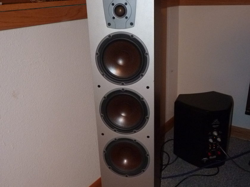 DALI IKON 7, TOP OF THE LINE, TOWER SPEAKERS