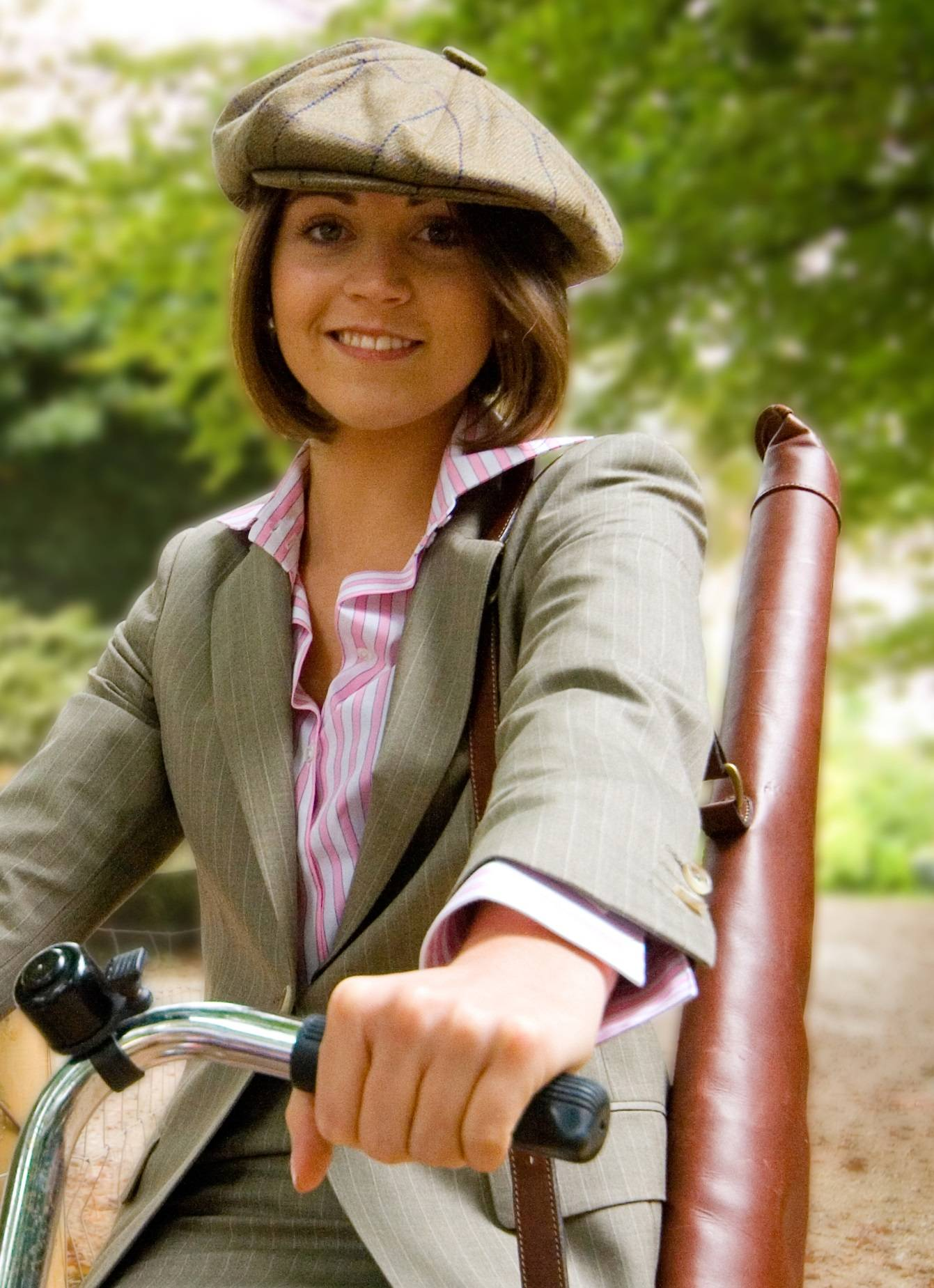Bicycle, photoshoot, ladies suiting