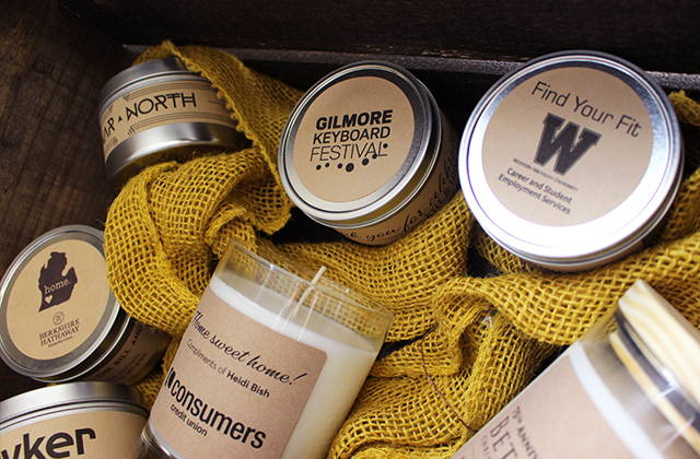 Custom label candles for corporate gifts in basket