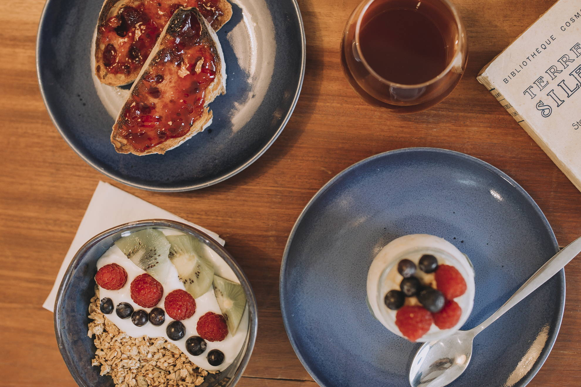 Breakfast options served at SO Coffee Roasters in Porto and Lisbon include toast, oats and yoghurt
