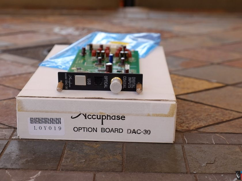 Accuphase DAC-30 Accuphase DAC-30 Near Mint