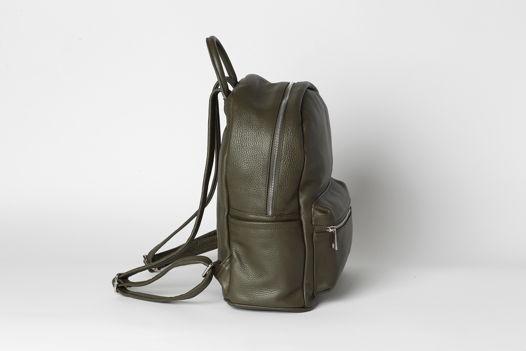 Кожаный рюкзак SASHA оливкового оттенка. В наличии в Москве