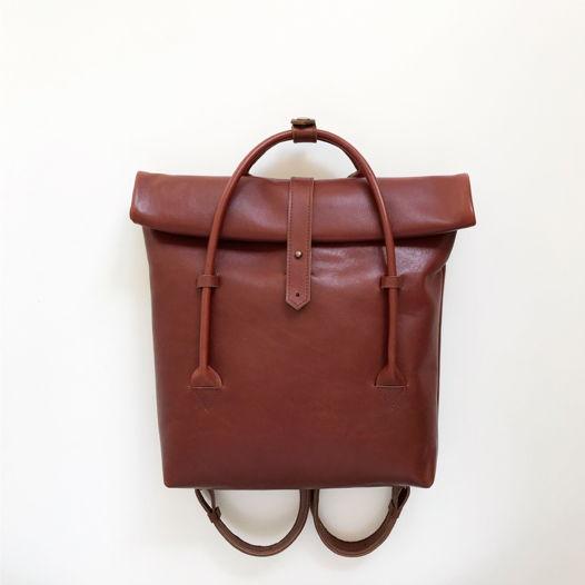 Кожаный рюкзак-сумка Rolltop Chestnut