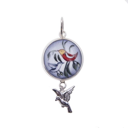 Серебряная подвеска-медальон с эмалью