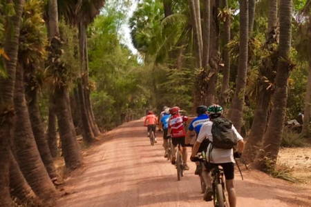Angkor Wat in 2 Days on Bike