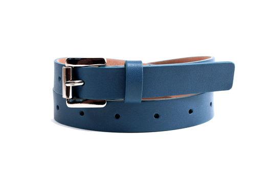 Кожаный ремень в дырочку синий