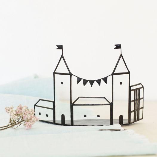 Сказочный домик с гирляндой