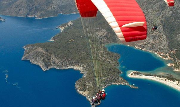 Параглайдинг в Мармарисе: полет на параплане над побережьем Олюдениз