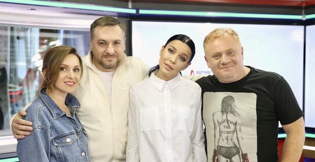 Ёлка стала гостьей утреннего шоу «Русские Перцы» - Новости радио OnAir.ru