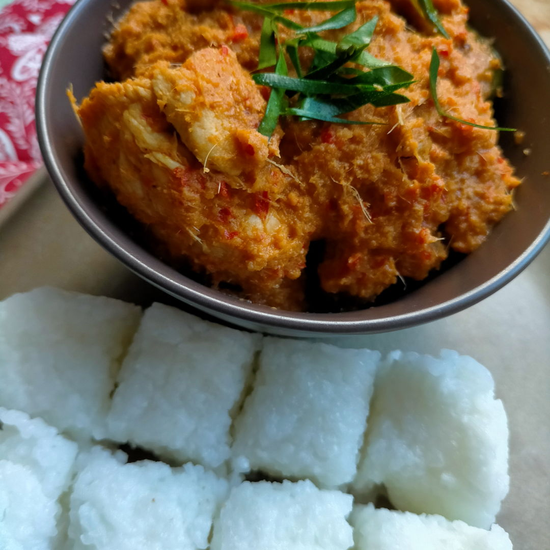 Great combination of Nyonya Cooking recipes - Chicken Rendang with Nasi Impit (Compressed Rice)!
