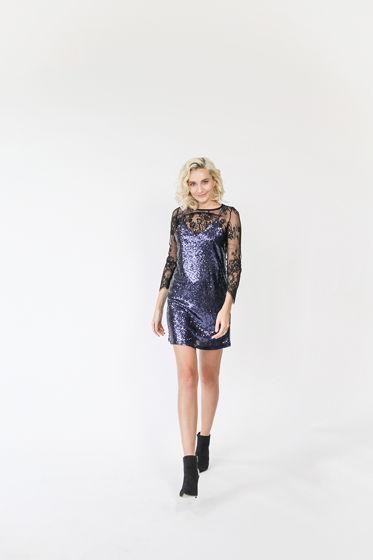 Платье из пайеток  черничное