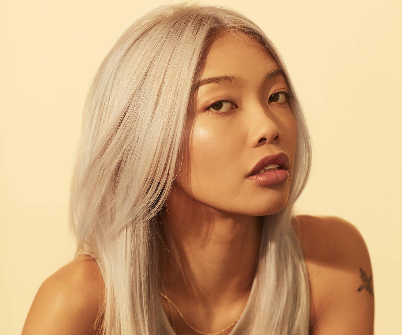 straight blonde hair 70s style Davines by Melanie Guille