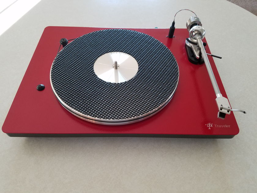 VPI Industries Traveler  - Outstanding Turntable - with Shibatta Cartridge - REDUCED