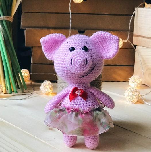 вязанная свинка Розочка