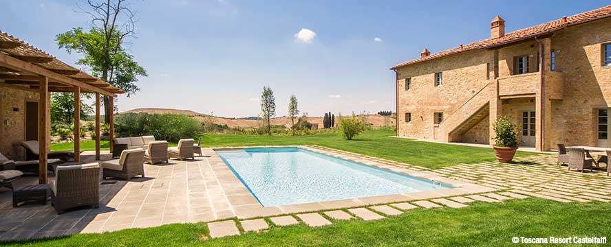 Hamburg - Restored farmhouse on the estate of the Toscana Resort Castelfalfi in Italy with high quality equipment and private pool in the midst of beautiful nature.