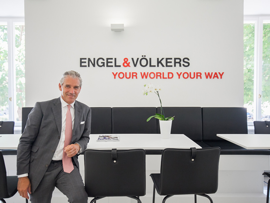 Dubai - 40 years of Engel & Völkers - on the occasion of the company's anniversary we are revealing the history of founder Christian Völkers and how he built up a successful real estate company.