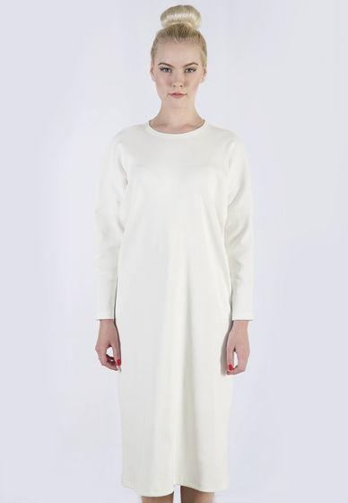 Платье-лапша свободного кроя.