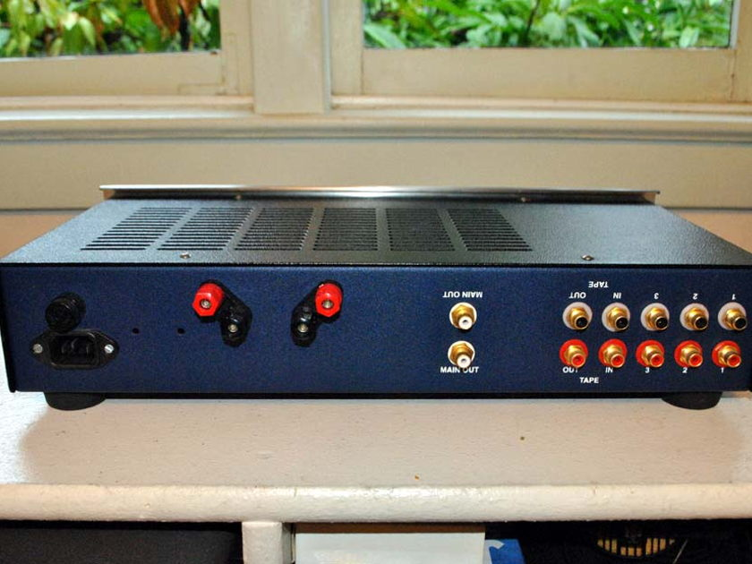 Blue Circle CS Integrated amp with pre-outs