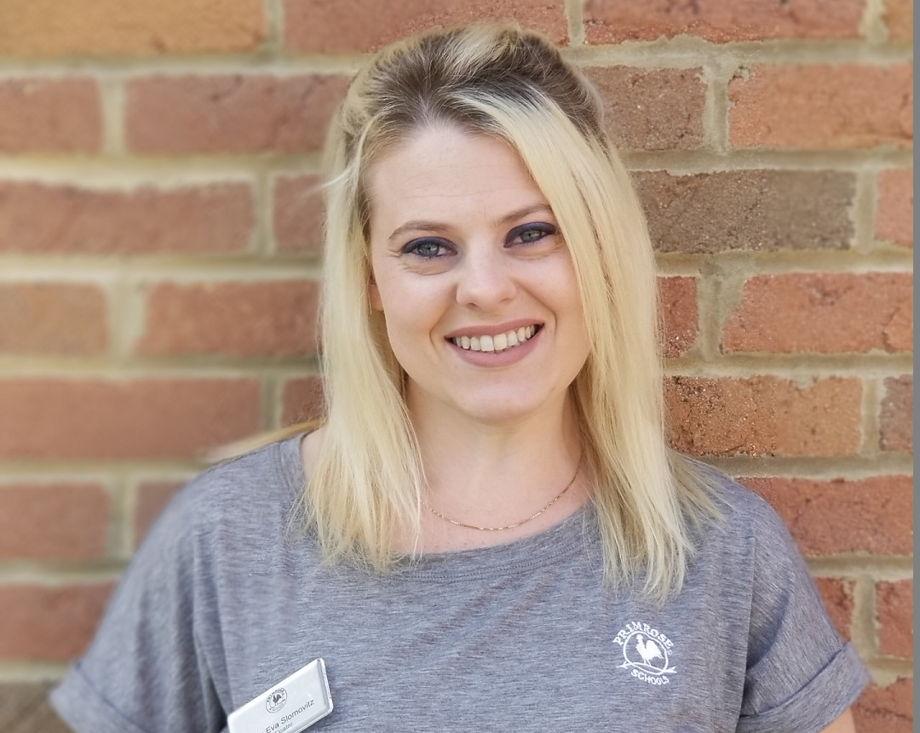 Eva Slomovitz , Support Staff