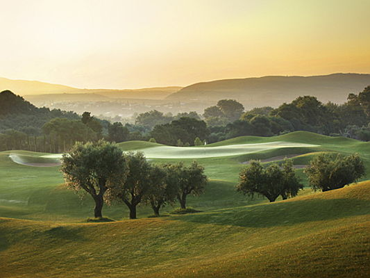Trento - Read about the history and appeal of golf sport – the pastime of choice for wealthy and well-travelled professionals. Photo Credits: Costa Navarino