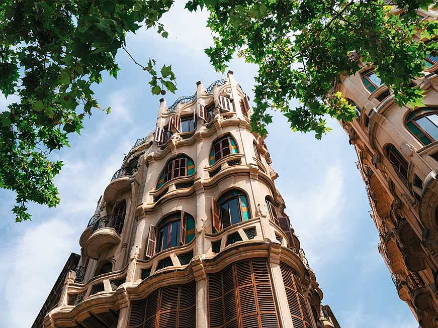 Balearen, Spanien - Palma's gothic old town can be reached on foot