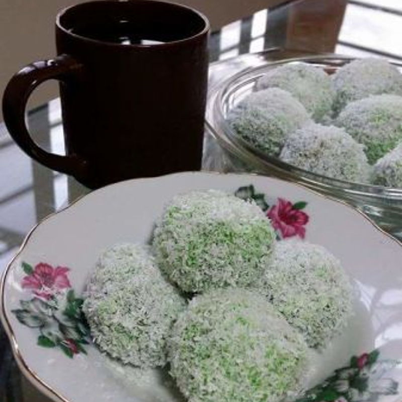 I made this ondeh ondeh gula melaka from your recipe. It's really perfect for afternoon tea and served with black tea. Cheers
